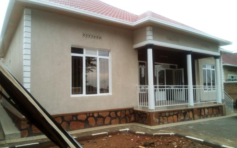 4 Bedrooms House for Sale in Masaka at 43 Million | House in ...